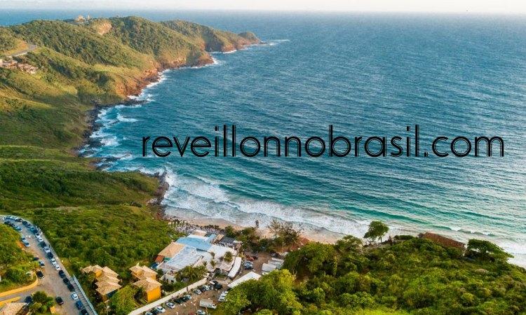 Armação dos Búzios Réveillon 2022 no Silk Beach Club na Praia Brava - reveillonnobrasil.com