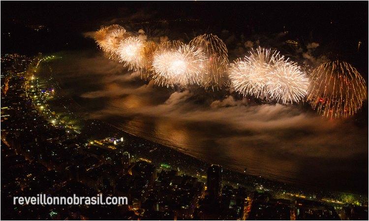 Copacabana Réveillon no Rio de Janeiro - Foto RioTur - reveillonnobrasil.com