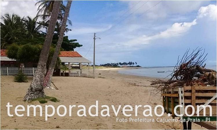 Praia de Barra Grande em Cajueiro da Praia - PI - temporadaverao.com